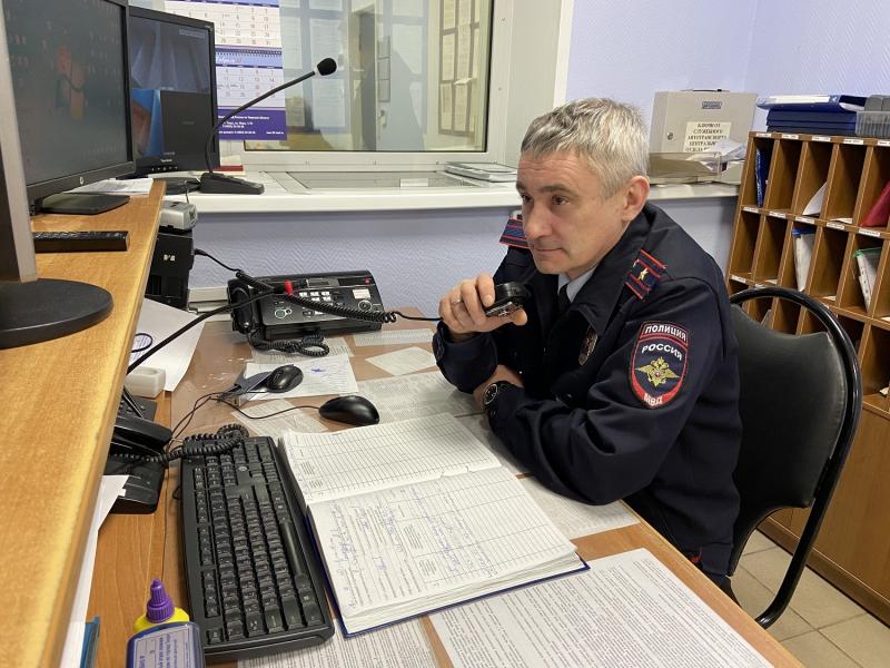 В Твери сотрудник полиции предотвратил пожар в многоквартирном доме и спас мужчину