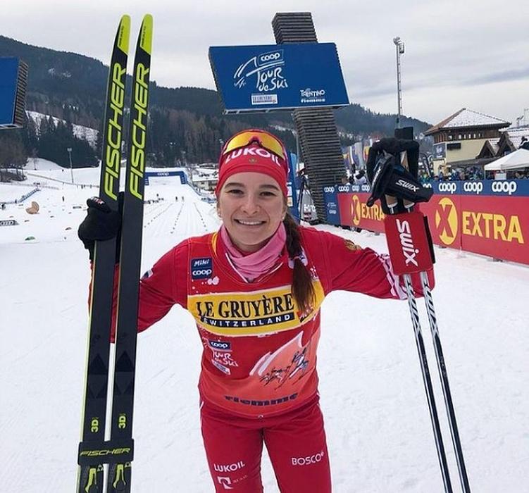 Тверская спортсменка Наталья Непряева одержала победу в масс-старте на этапе «Тур де Ски»