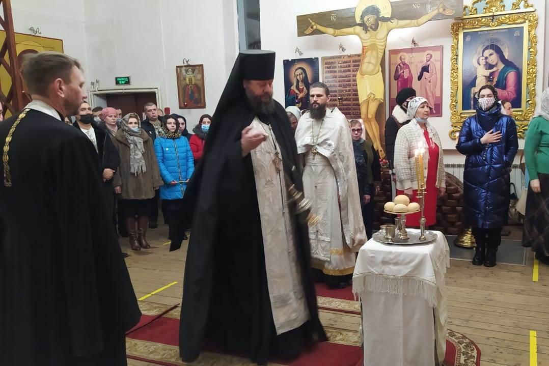 В Нелидово в канун Рождества состоялась праздничная служба