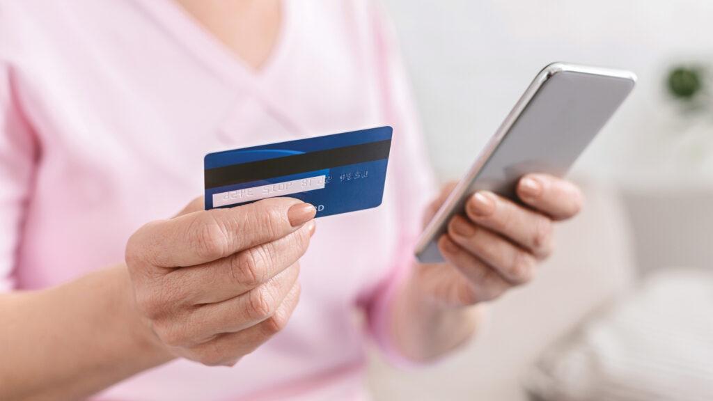 Жительница Твери оформила кредит и перевела мошенникам