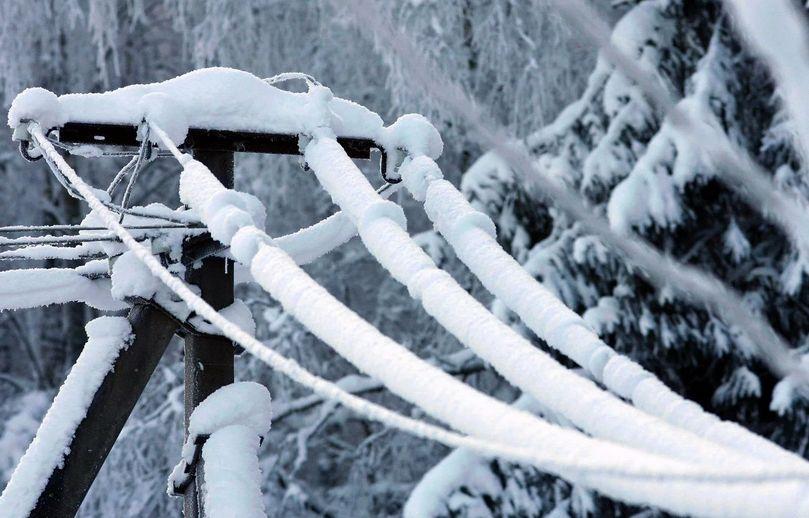 В Тверской области восстанавливают нарушенное из-за снегопада энергоснабжение