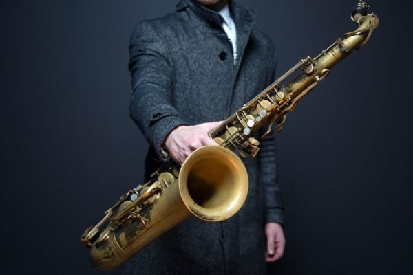 Жители Твери смогут услышать волшебный саксофон