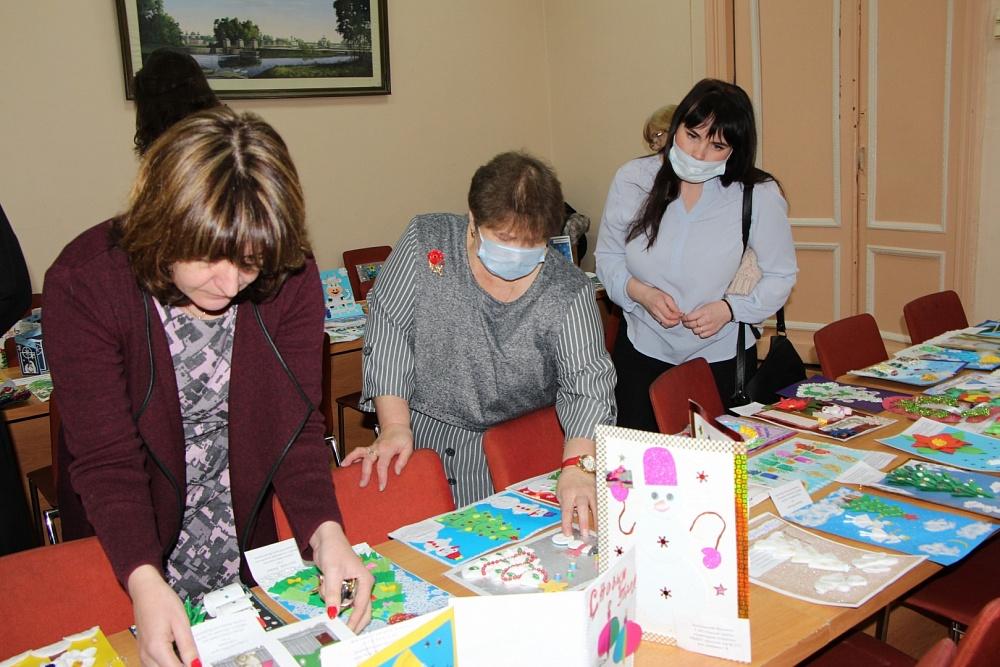 В Вышневолоцком округе назвали победителей конкурса «Рождественская открытка»