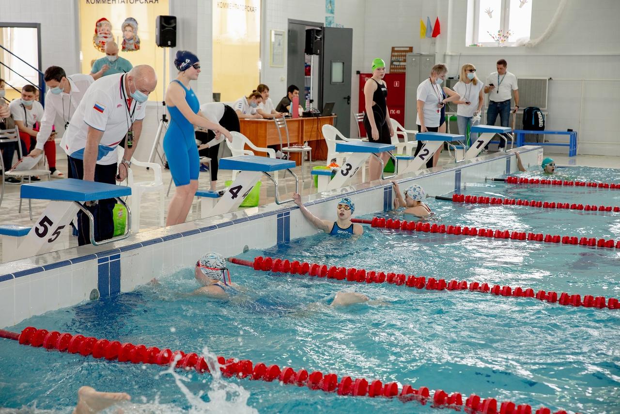 Сильнейших пловцов Тверской области определили на соревнованиях в Бологое