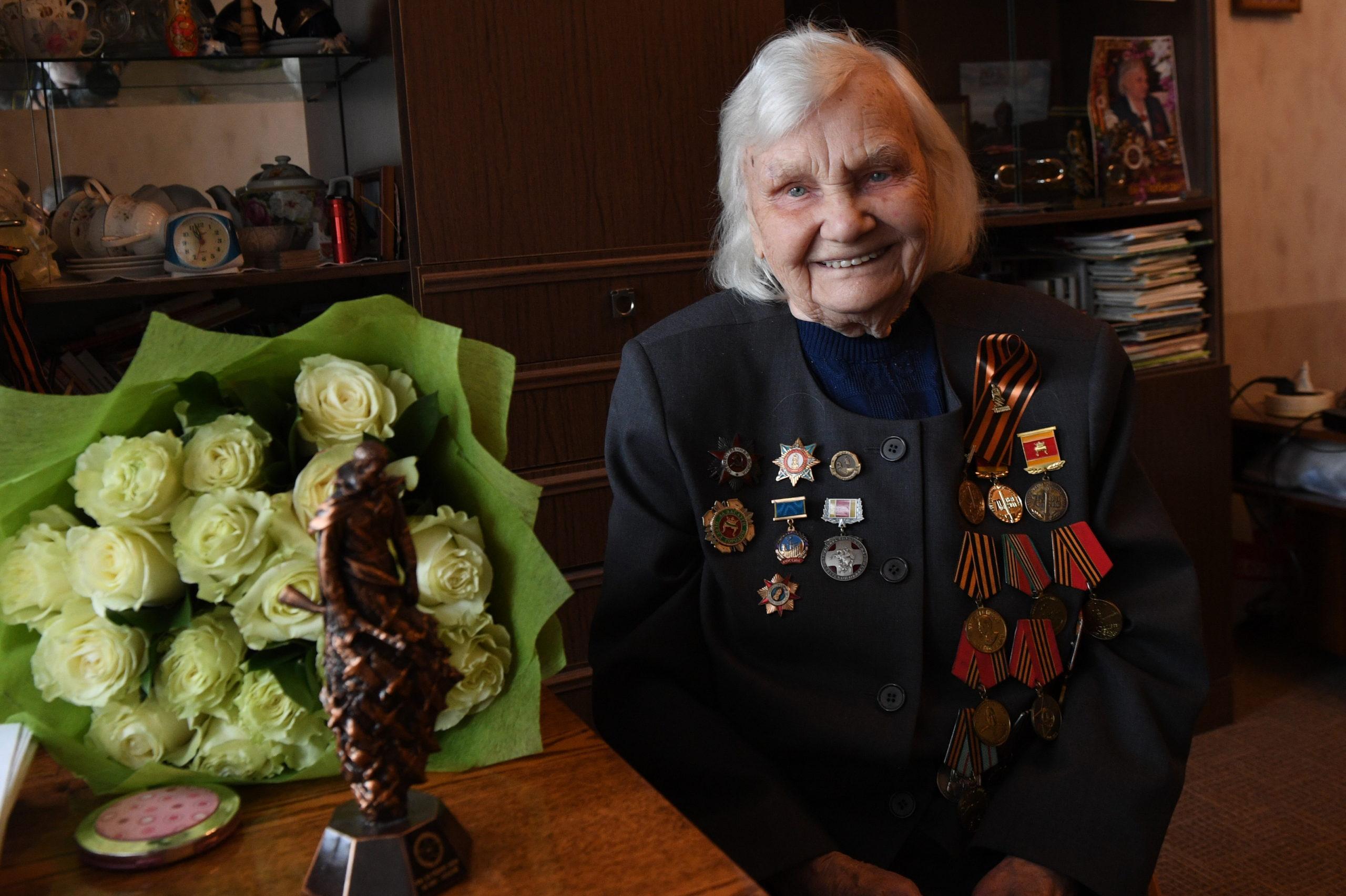 Игорь Руденя поздравил с днём рождения участницу Великой Отечественной войны Антонину Филипповну Гордееву