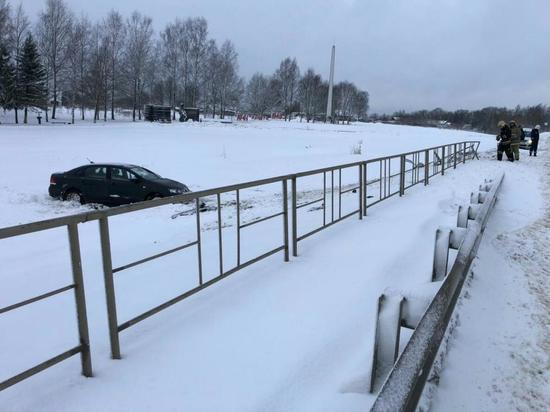 Водитель иномарки пострадал в ДТП в Тверской области
