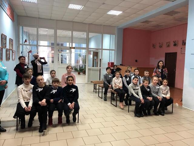 """Есинские школьники приняли участие в акции """"Блокадная ласточка"""""""