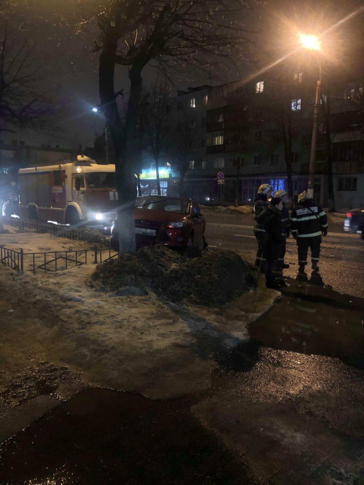 В Твери на улице Горького произошла авария с участием такси