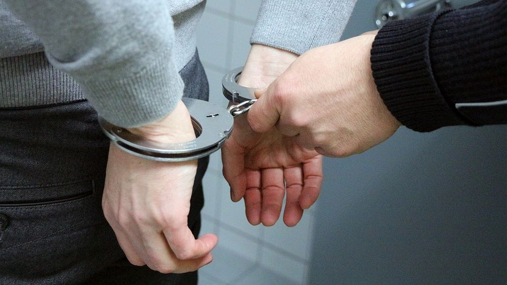 В Твери задержаны молодые люди, зарабатывающие на онлайн продаже наркотиков