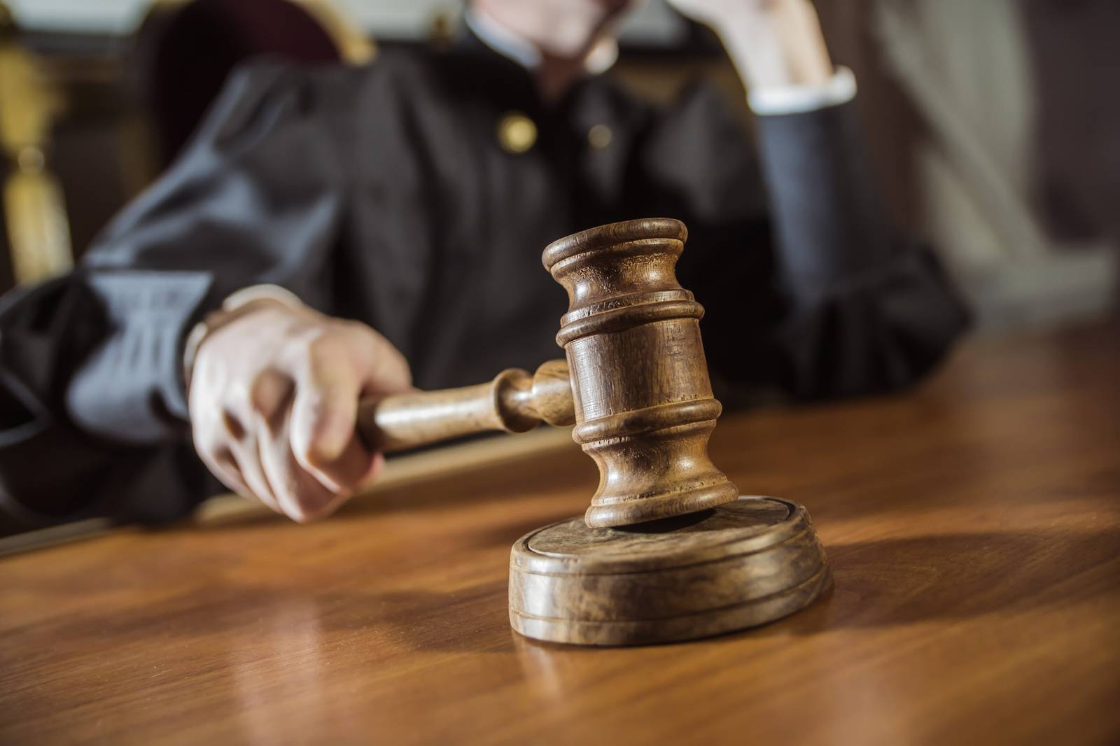 Суд изменил меру пресечения учредителю ритуального бизнеса