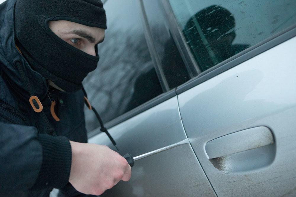 Во Ржеве у тренера угнали автомобиль