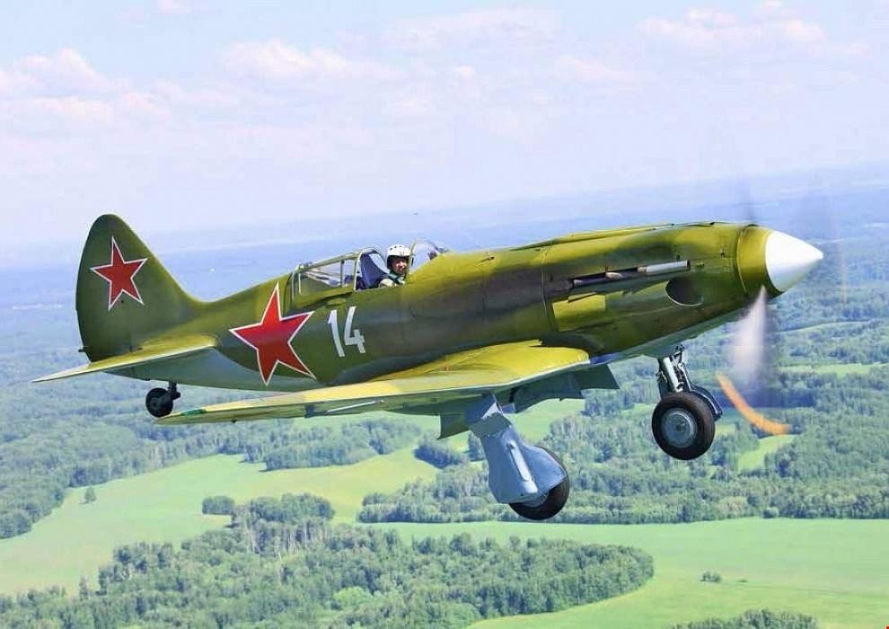 Найденный под Осташковым истребитель продолжает полеты после реставрации