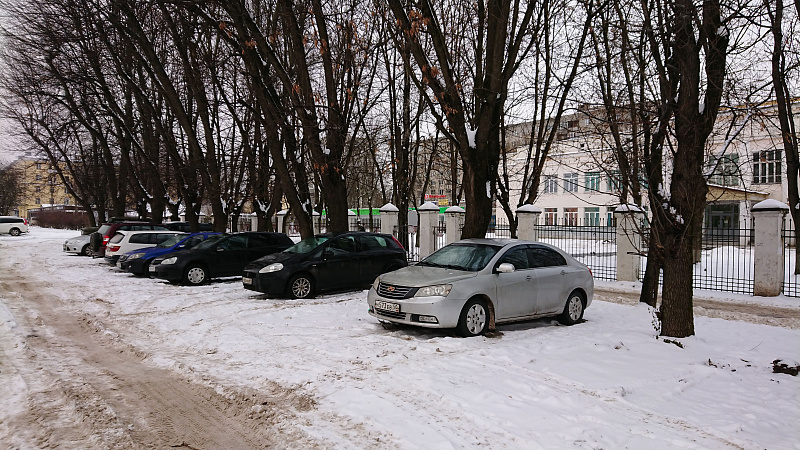 Тверских водителей штрафуют за незаконную парковку