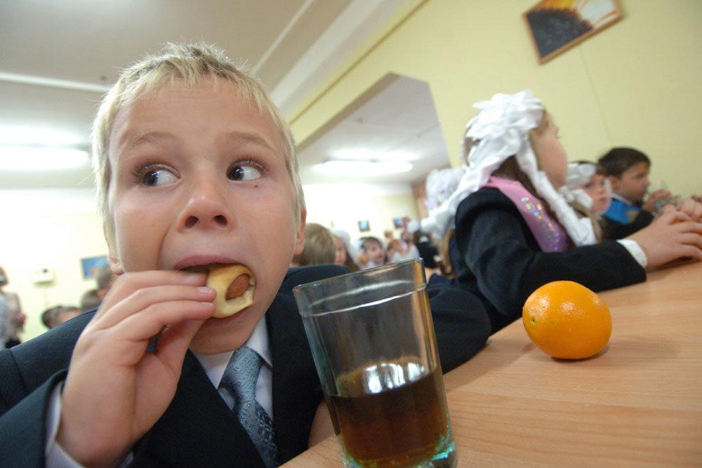 В Сандово детей кормили с нарушениями