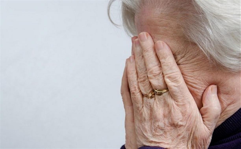 В Тверской области сиделка и ее сожитель украли у беспомощной пенсионерки 30 тысяч рублей
