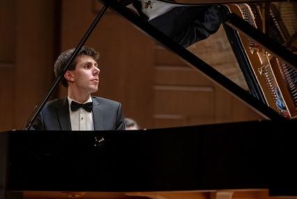 В Твери выступит выдающийся пианист Константин Хачикян