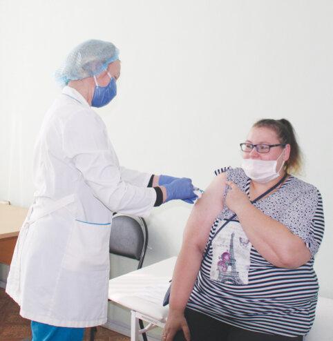 В Жарковском районе продолжается вакцинация
