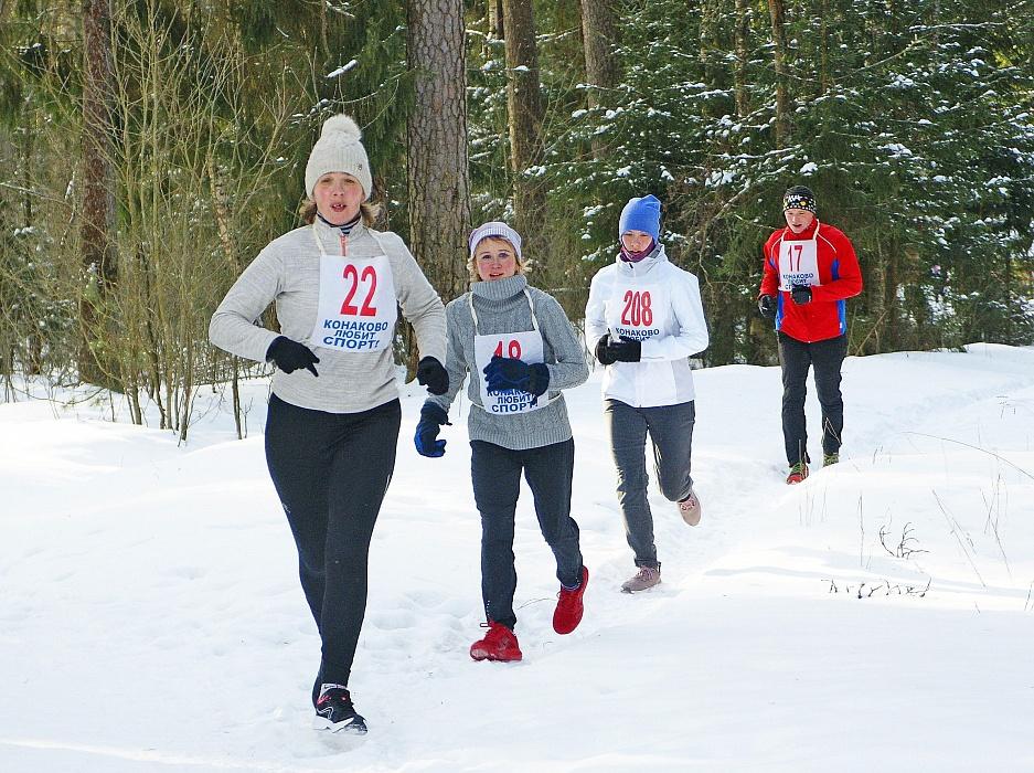 Участники легкоатлетического пробега в Конаковском районе получили по мандарину