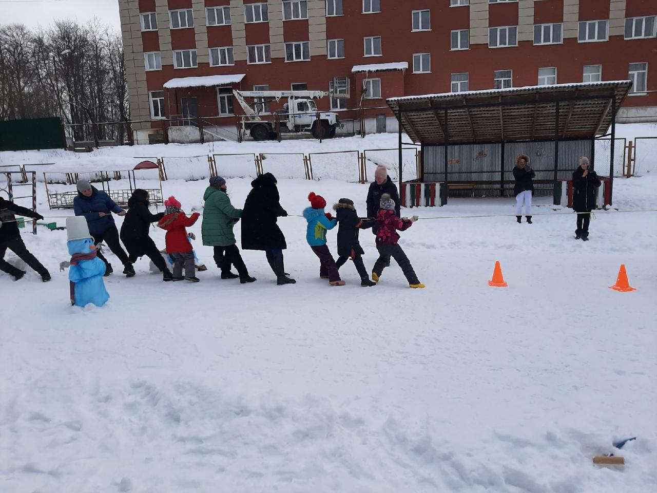Бологовские дошколята отметили День зимних видов спорта