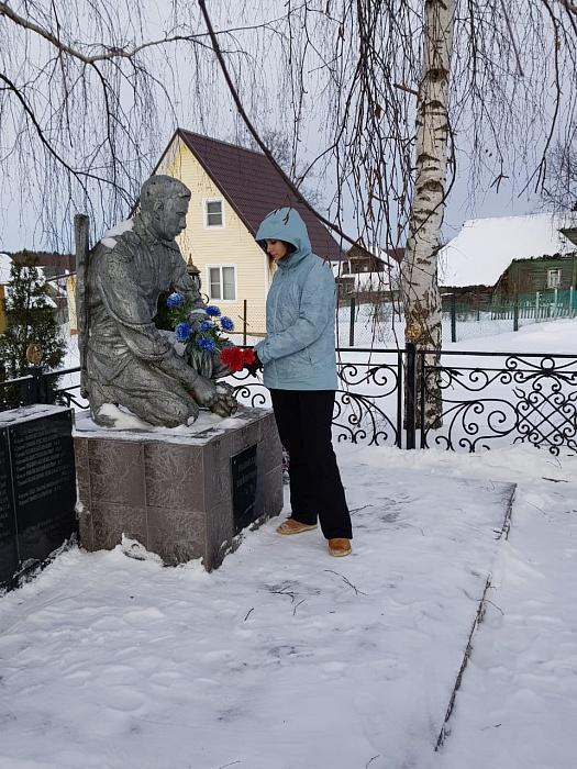"""Активисты """"Единой России"""" провели патриотическую акцию в Осташковском округе"""