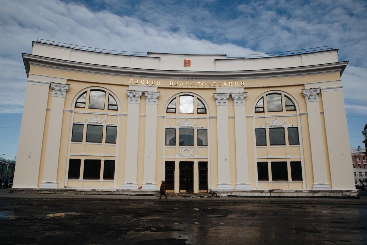 Игорь Руденя: больше пар захотят расписываться в новом дворце бракосочетания
