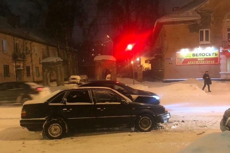 В Твери в лобовом ДТП пострадала 17-летняя девушка