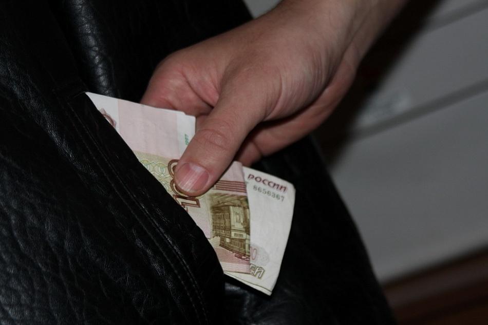Жительница Твери ограбила своего отчима, чтобы купить алкоголь