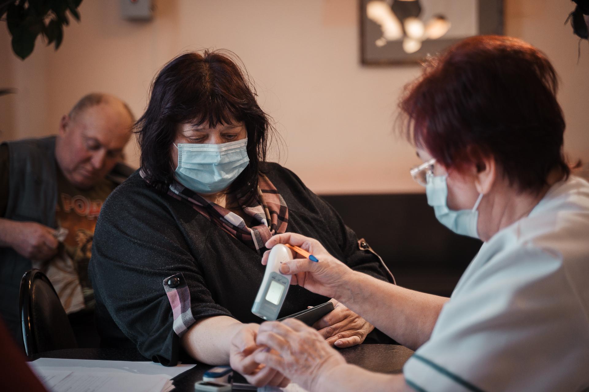 В Тверской области ведется вакцинация от COVID-19 жителей старшего возраста