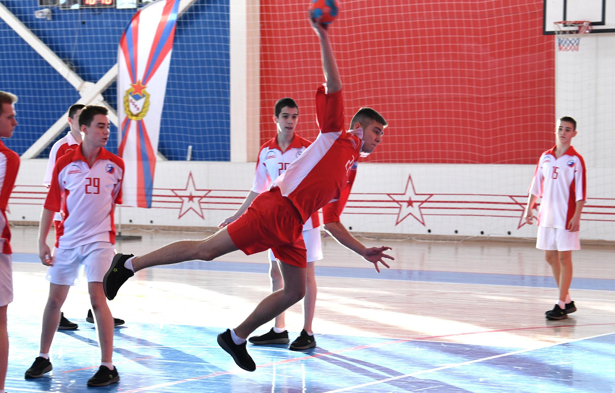 В Тверском суворовском военном училище открылся современный физкультурно-оздоровительный комплекс