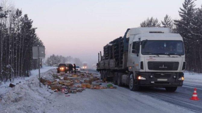 В Тверской области мужчина на автопоезде протаранил машину, водитель которой вскоре погиб