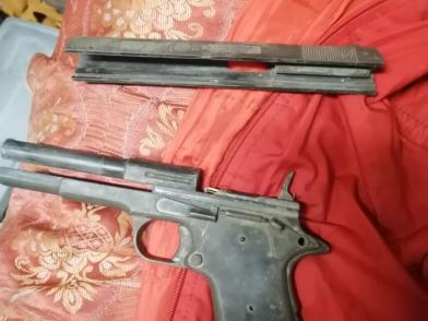 Житель Тверской области незаконно хранил в шкафу огромный арсенал оружия и боеприпасов