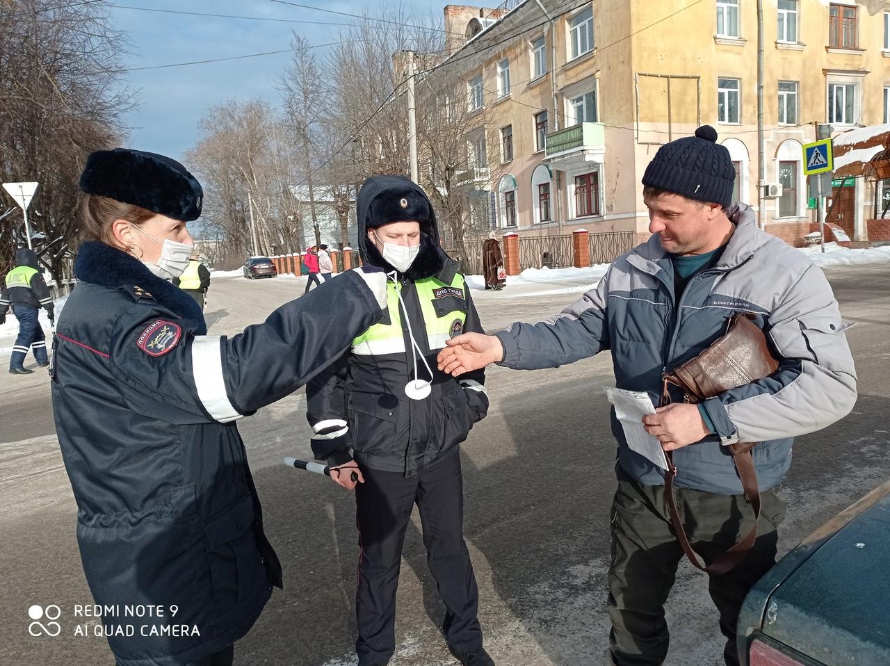 Ветераны дорожной полиции вышли на Бологовские дороги