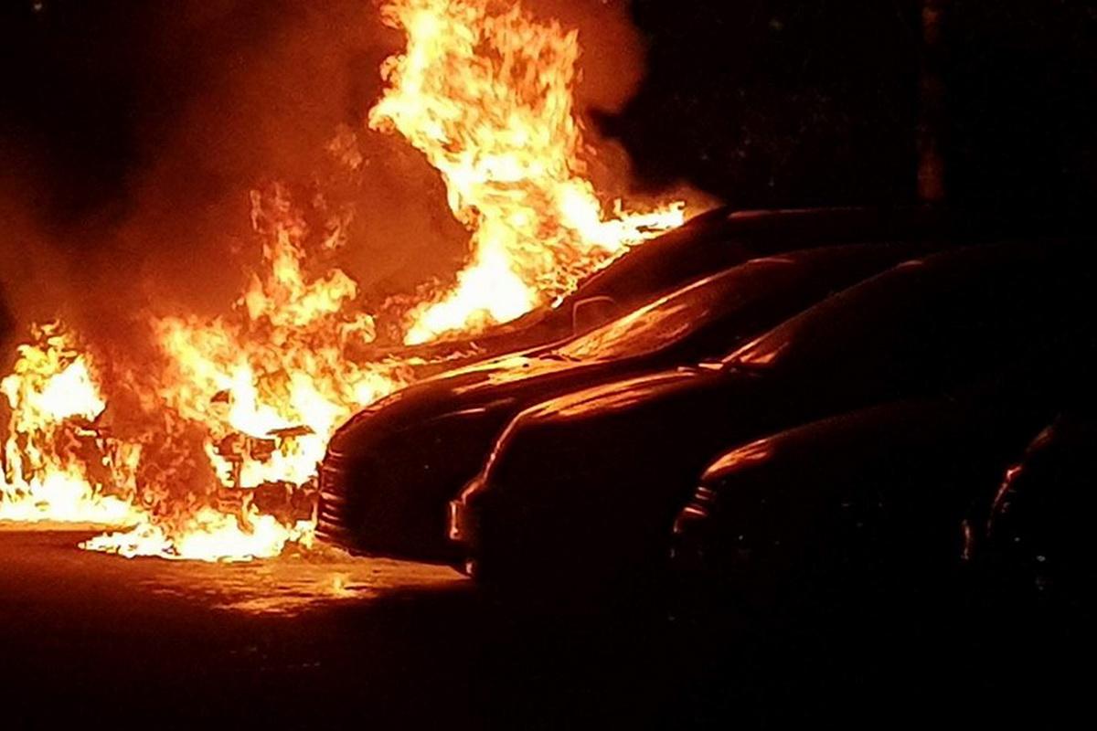 В Пролетарском районе Твери горела «Мазда»