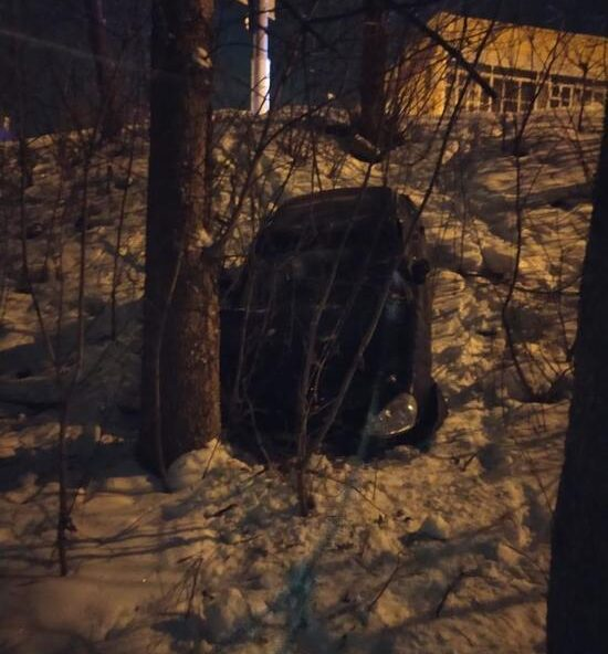 В Твери в автомобильной аварии пострадали два человека