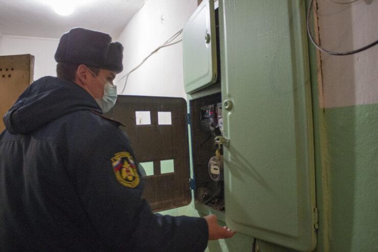 В Тверской области сотрудники МЧС провели рейд по вопросу пожарной безопасности