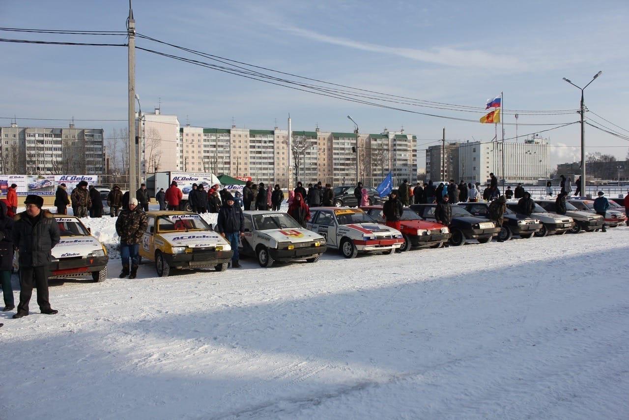На Тверском ипподроме пройдут зрелищные автогонки на нешипованной резине