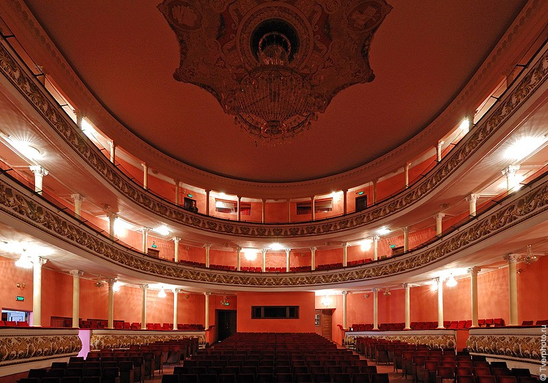 В Тверском академическом театре преподадут урок дочкам