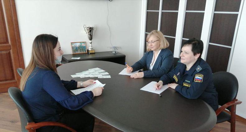Главный судебный пристав Тверской области и уполномоченный по правам ребёнка провели приём граждан