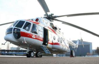 В Тверь в тяжелых погодных условиях вертолетом доставили женщину