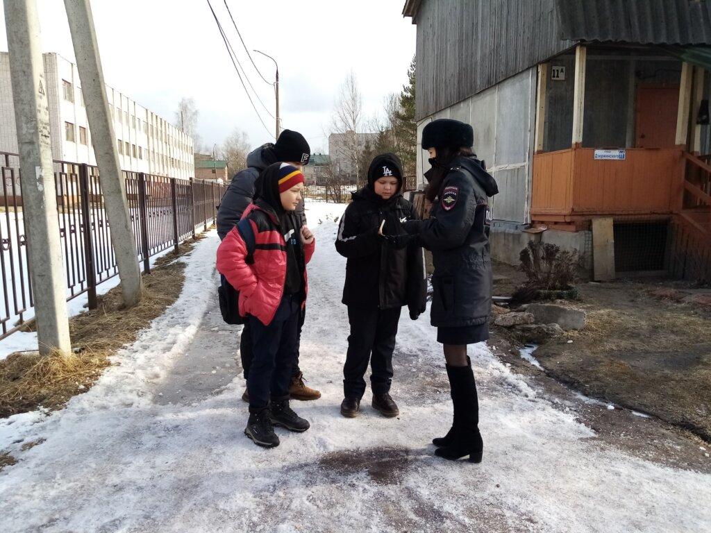 Нелидовские автоинспекторы провели акцию для школьников