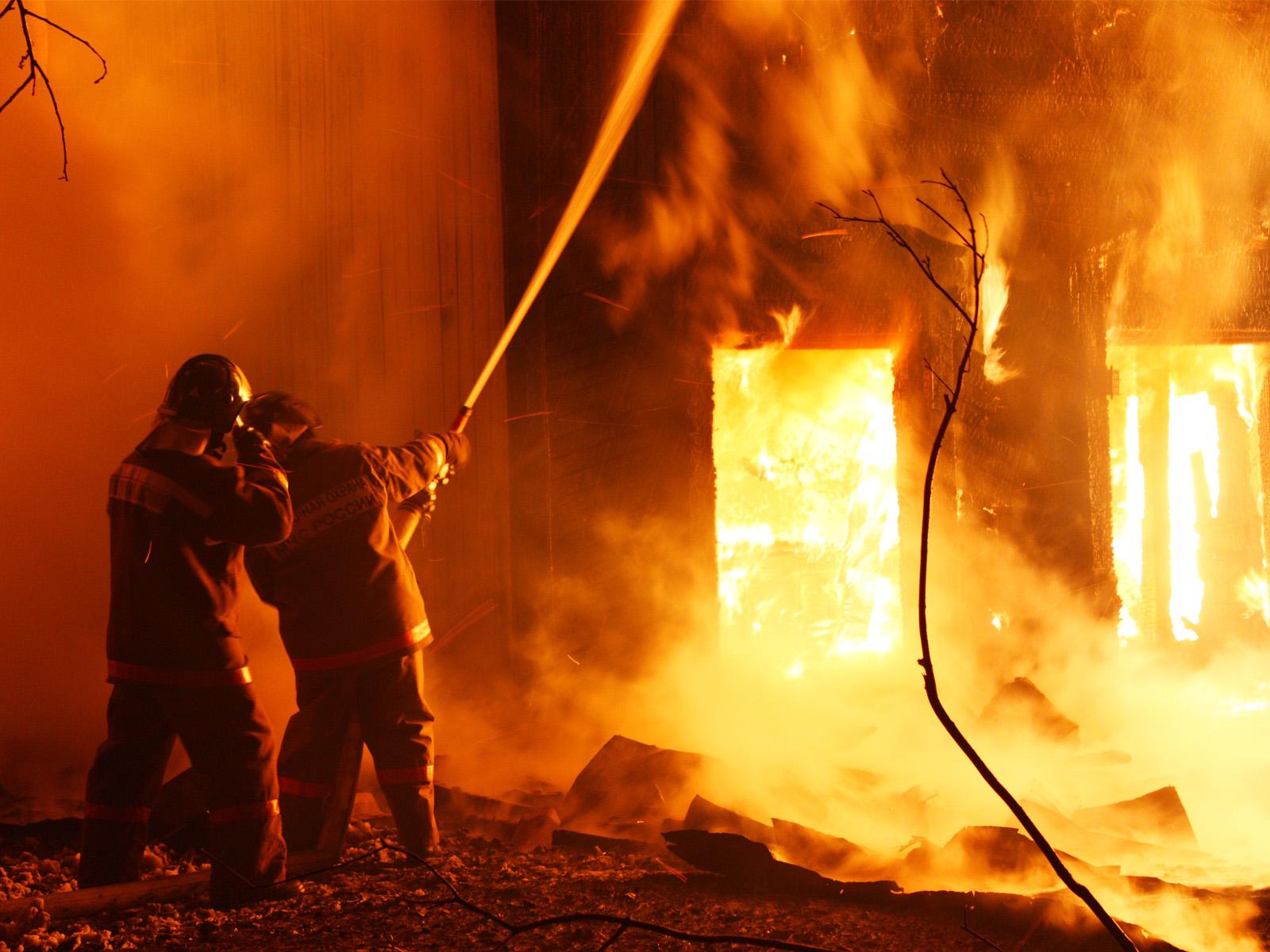 Домашний очаг: под Тверью на пожаре нашли тело