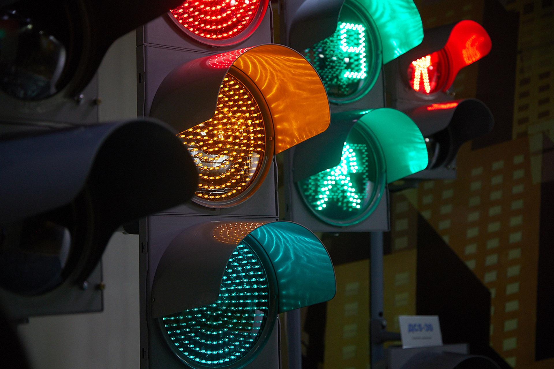 Новый режим работы светофоров на перекрестке в Твери
