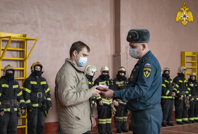 Житель Вышнего Волочка получил медаль за спасение ребенка