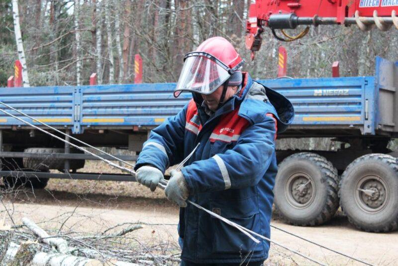 Тверьэнерго повышает надёжность сетей шести-десяти киловатт в Калязинском районе