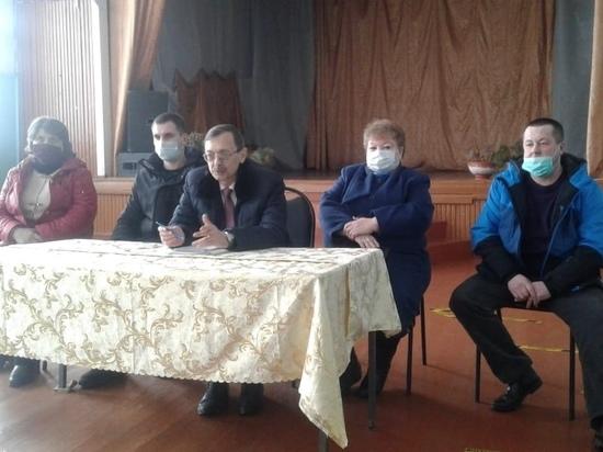Глава и депутаты Оленинского округа встретились с населением местных деревень