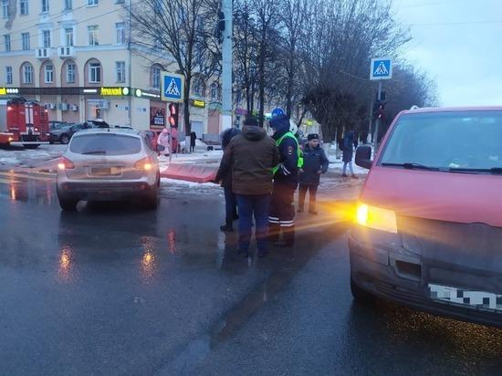 В аварии на Петербургском шоссе получили травмы два маленьких ребенка