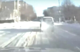 В Твери нетрезвый лихач попытался скрыться от полицейских по тротуару