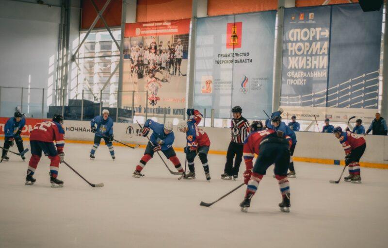 Шайбу,шайбу: Стало известно, кто поедет на Сочинский фестиваль Ночной хоккейной лиги от Тверской области