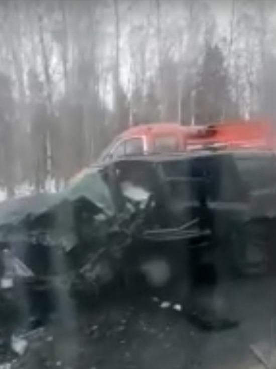 Есть погибшие: в Тверской области два автомобиля размозжило после столкновения