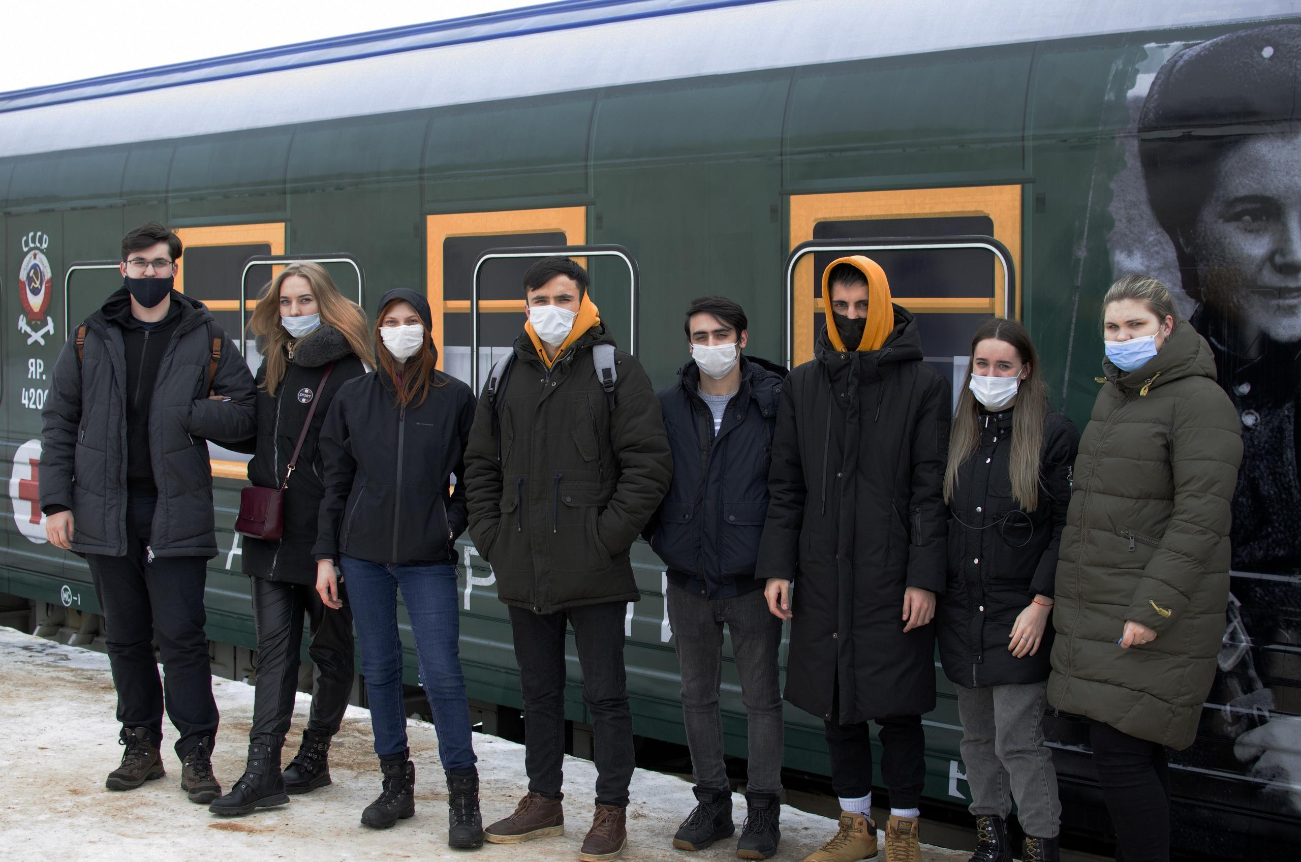 Студенты ТвГТУ побывали в передвижном музее «Поезд победы»